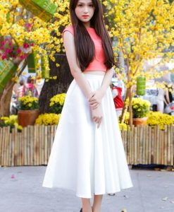 Áo croptop cam dễ thương xinh xắn như Hương Giang
