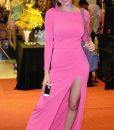 Váy dạ hội dài tay xẻ đùi trẻ trung tôn dáng như Phương Trinh