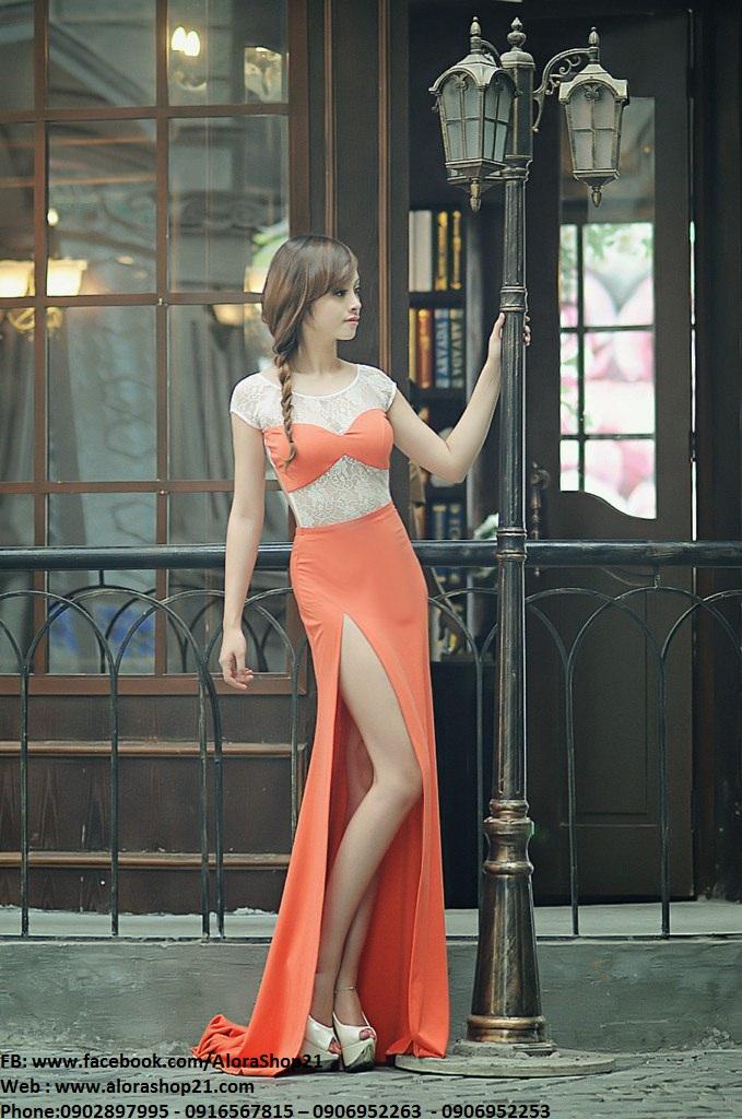 Váy dạ hội cam phối ren xẻ đùi cao tôn dáng