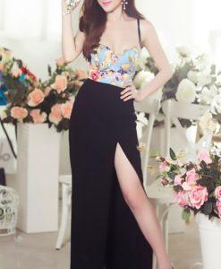 Chân váy dài xẻ đùi tôn dáng như Phương Trinh
