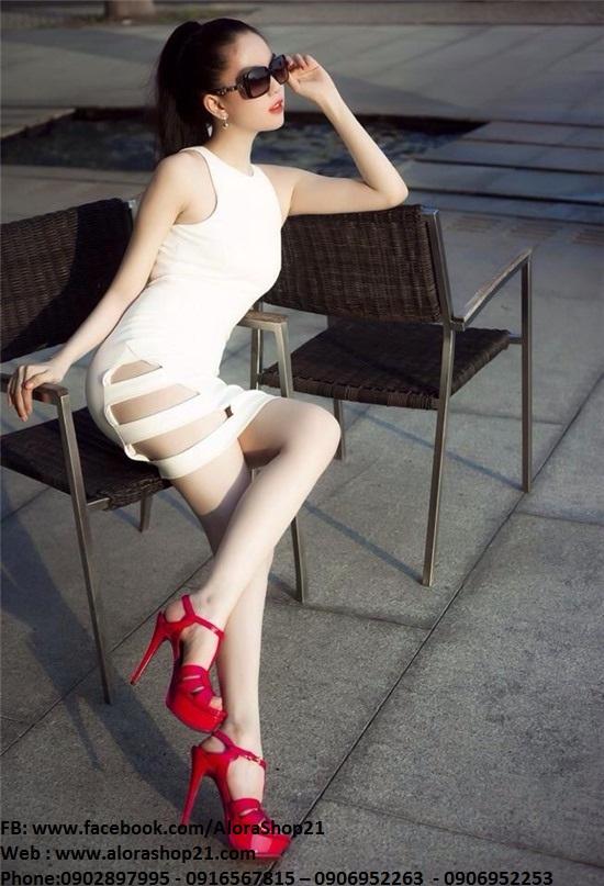 Đầm body cổ yếm khoét đùi xinh đẹp và thời trang - DN11