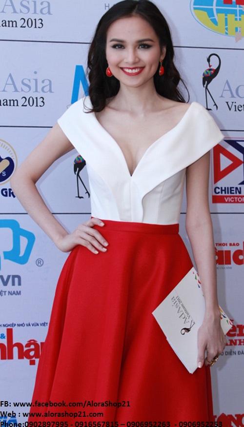 Áo crop top cổ trễ chữ V quý phái phối chân váy xòe đỏ – JL09