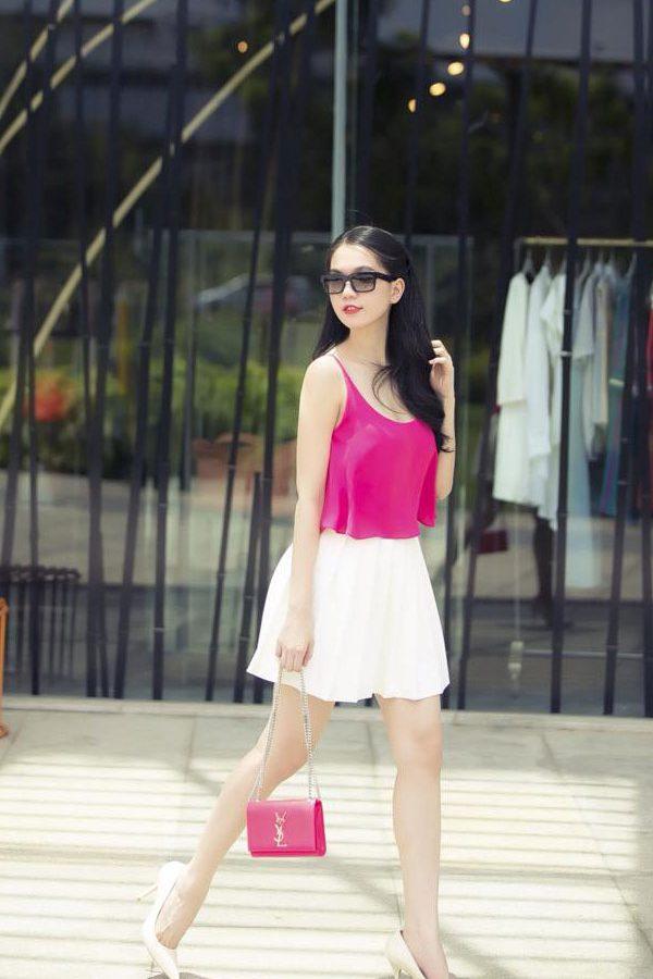 Áo 2 dây màu hồng trơn và chân váy ngắn quyến rũ – JN19