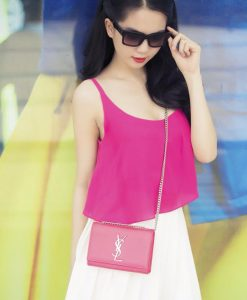 Áo 2 dây màu hồng trơn và chân váy ngắn quyến rũ - JN19