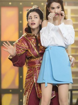 Set áo bẹt vai và chân váy khoen xinh như Ngọc Trinh - JN25