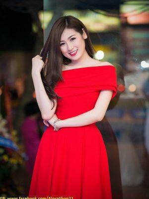 Đầm xòe màu đỏ bẹt vai ngang sang trọng và nổi bật - DN198