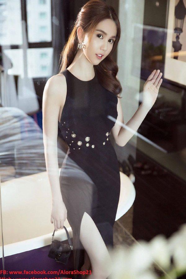 Đầm đen xẻ tà Ngọc Trinh thiết kế ôm body tuyệt đẹp – DN203