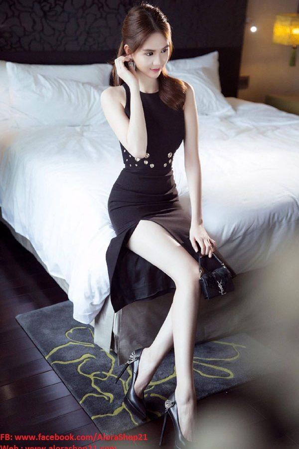 Đầm đen xẻ tà Ngọc Trinh thiết kế ôm body tuyệt đẹp - DN203