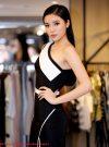 Đầm body trắng đen lệch vai xẻ đùi phối chân ren – DN236