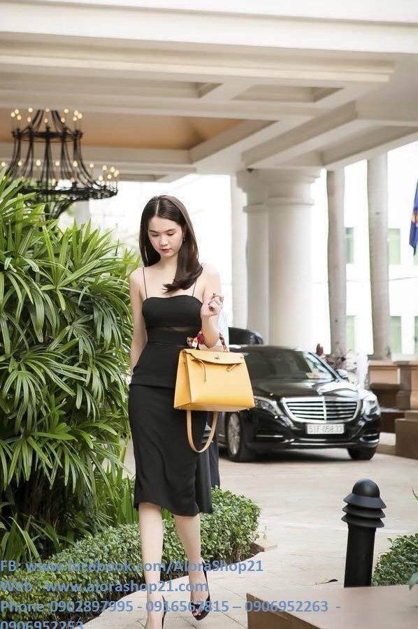Váy đen hai dây ôm body thiết kế phối lưới như Ngọc Trinh – DN243