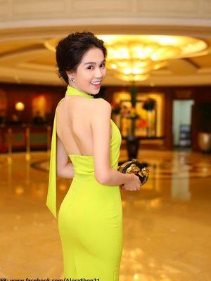 Đầm body cổ yếm hở lưng tôn dáng như Ngọc Trinh - DN24
