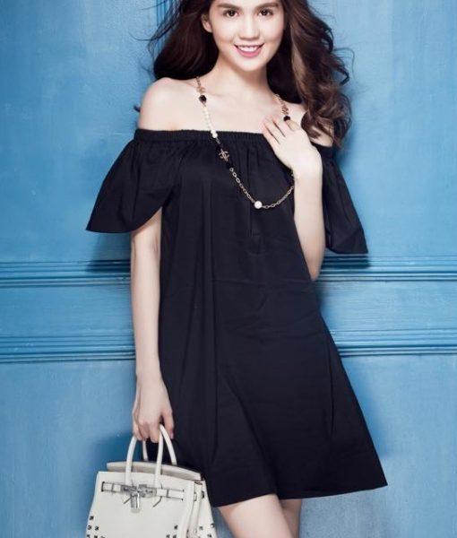 Đầm suông trễ vai màu đen như Ngọc Trinh – DN334