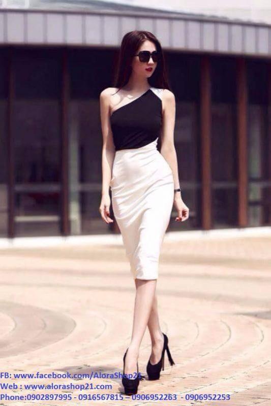 Đầm body Ngọc Trinh lệch vai đen phối trắng sang trọng - DN339