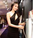 Váy ôm body lệch vai khoét ngực sexy quyến rũ như Linh Chi - DN55