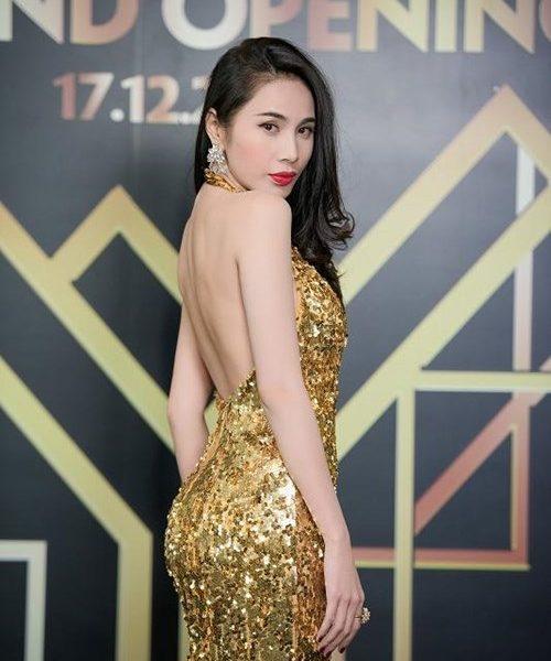 Đầm kim sa khoét ngực sâu hở lưng sexy như Thủy Tiên - D360