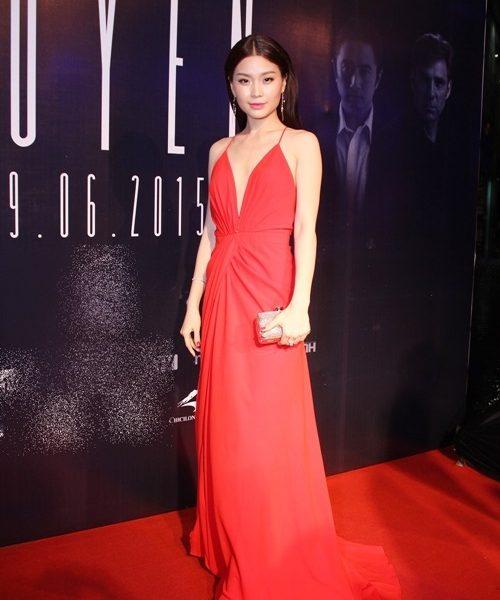 Váy dạ hội đỏ hở lưng khoét ngực sâu sexy tôn dáng – D364