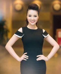 Đầm body đen ôm body tôn dáng rớt vai như Thụy Vân - DN246