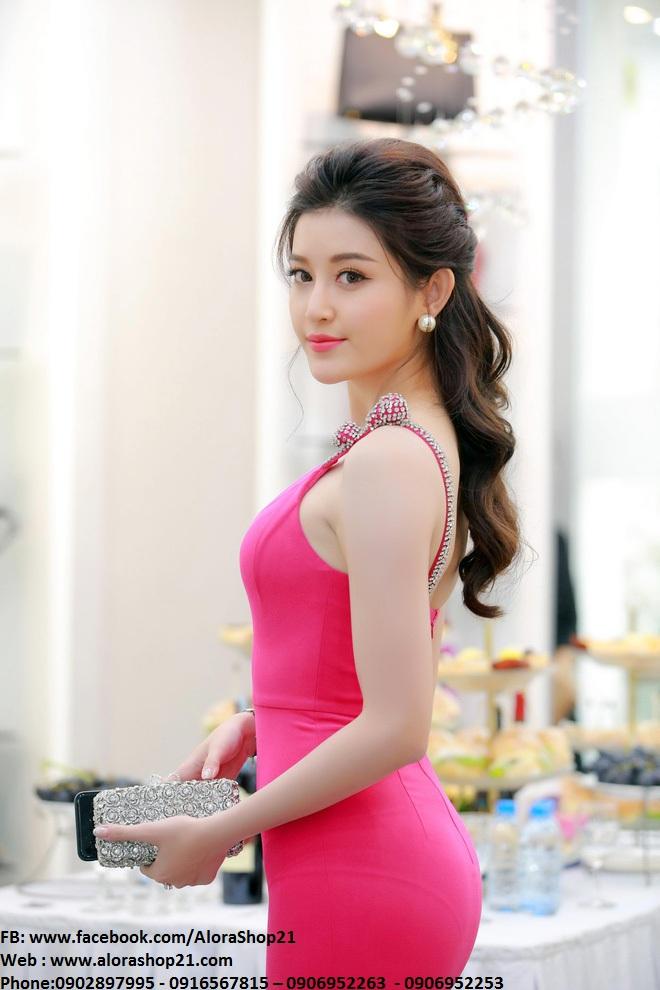 Đầm body hồng sen tôn dáng lạ mắt như Huyền My - DN283