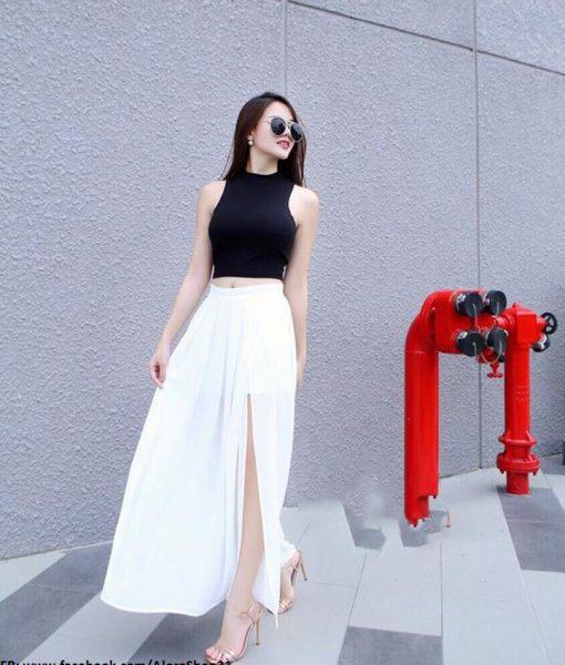 Set áo croptop với chân váy maxi xẻ tà màu trắng – J69