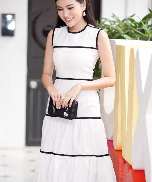 Đầm xòe tầng trắng viền đen tinh tế sang trọng – D377