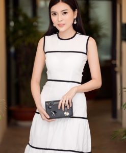 Đầm xòe tầng trắng viền đen tinh tế sang trọng - D377