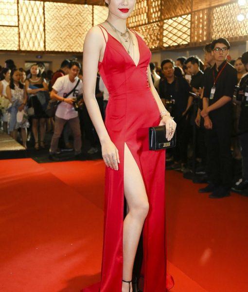 Đầm dạ hội xẻ đùi khoét ngực sâu như Phạm Hương – D379