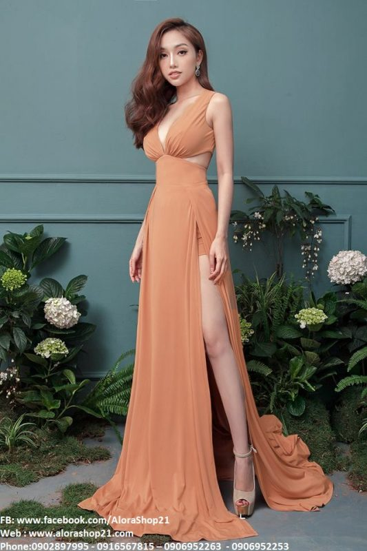 Đầm dạ hội xẻ chân thiết kế xẻ cao lót quần bên trong - D382