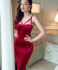Đầm nhung quý phái thiết kế cúp ngực ôm body – DN410