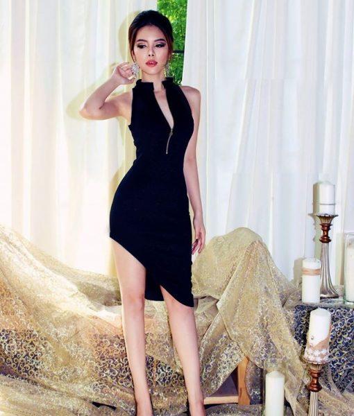 Đầm đen ôm body cao cấp thiết kế xéo tà xẻ ngực – DN418