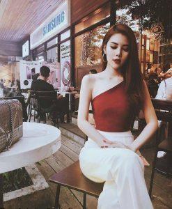 Set áo đỏ lệch vai phối quần ống suông trắng sang trọng – J81