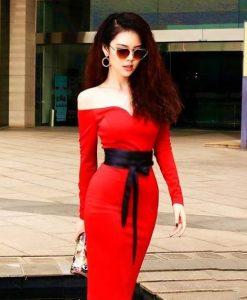 Đầm body đỏ trễ vai thiết kế cột dây eo xinh xắn