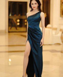 Váy dạ hội lệch vai xẻ đùi cao quyến rũ như Hương Giang - D437