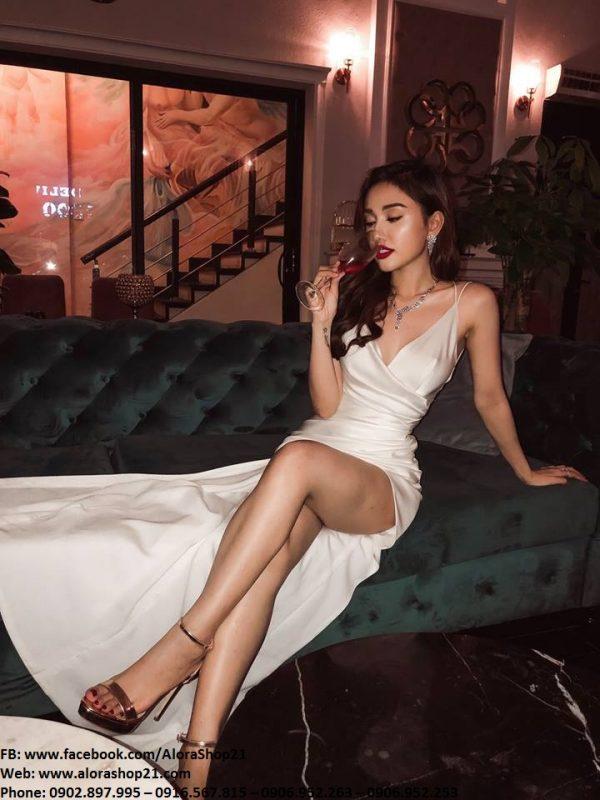 Đầm dạ hội trắng hai dây xẻ đùi cao quyến rũ – D441