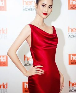 Đầm dạ hội lụa satin đỏ kiểu cổ đỗ xẻ tà quyến rũ - D458