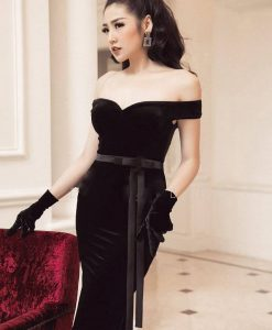 Đầm ôm nhung đen kiểu trễ vai nơ eo - DN455