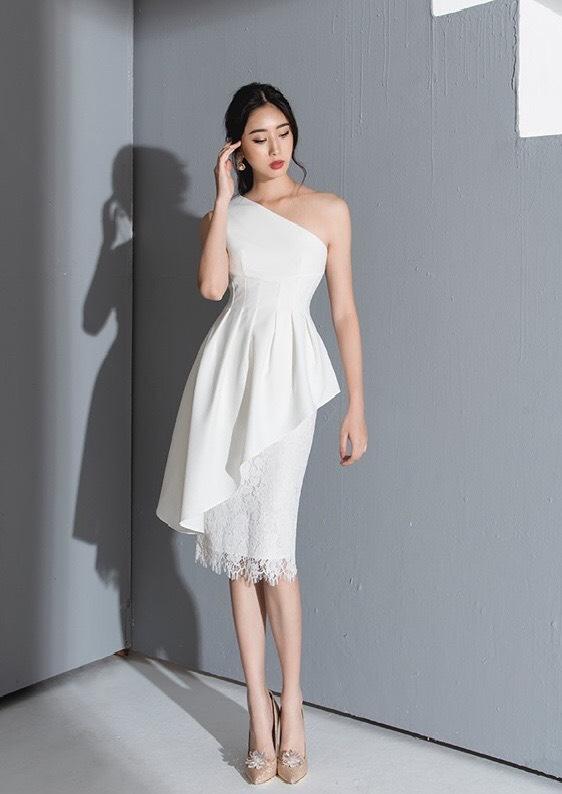 Đầm dự tiệc thiết kế lệch vai xéo tà chân váy ren - DN470