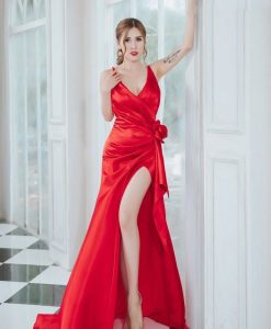Váy dạ hội hai dây xẻ đùi cao xếp hoa eo quyến rũ - D478