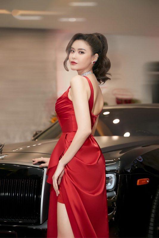 Đầm dạ hội đỏ thiết kế sang trọng lạ mắt - D495
