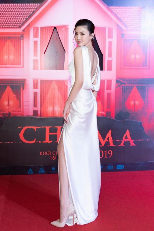 Váy dạ hội trắng thiết kế cổ đỗ sau sang trọng - D491