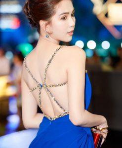 Váy dài xanh coban thiết kế hở lưng sang trọng quyến rũ - D489