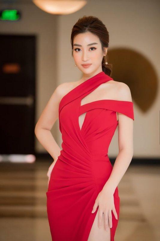 Váy dài trễ vai xẻ đùi cao ôm body tôn dáng - D492