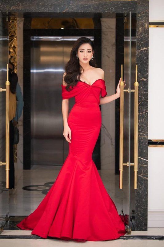 Váy đuôi cá đỏ thiết kế bẹt vai quyến rũ - D493