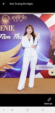 Set trang phục vest trắng thiết kế sang trọng lịch lãm