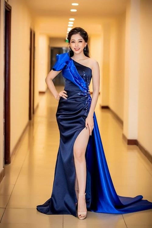 Đầm dạ hội lệch vai xẻ đùi cao sang trọng - D519