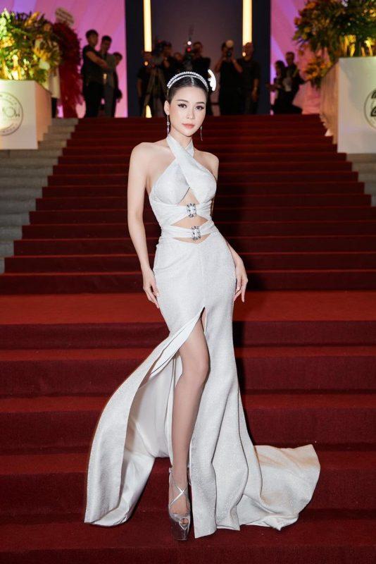 Đầm dạ hội trắng cổ yếm cut out tinh tế tôn dáng - D503