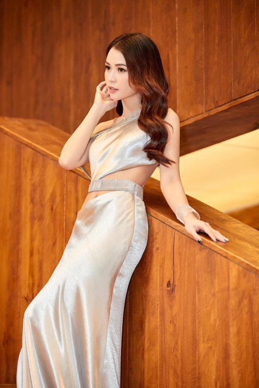 Váy dạ hội thiết kế lệch vai xẻ đùi cao tôn dáng - D504