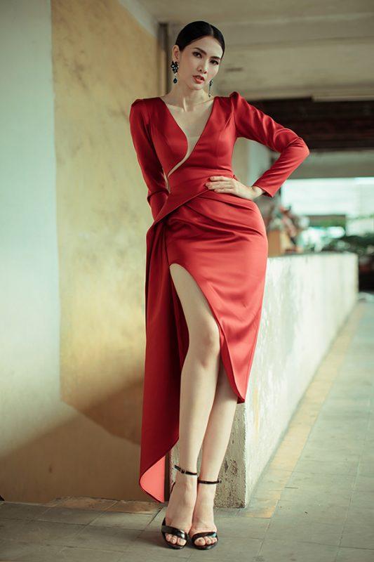 Váy dạ hội đỏ tay dài xẻ ngực sâu quyến rũ - D515