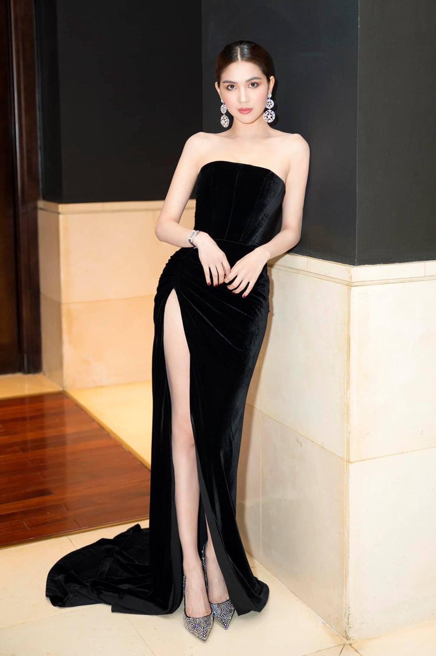 Váy dạ hội nhung đen cúp ngực xẻ đùi cao tôn dáng