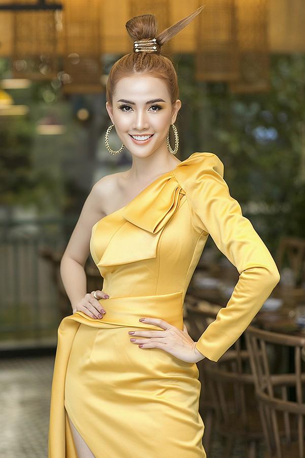 Váy dự tiệc cưới tay dài đính nơ vai sang trọng - DN485
