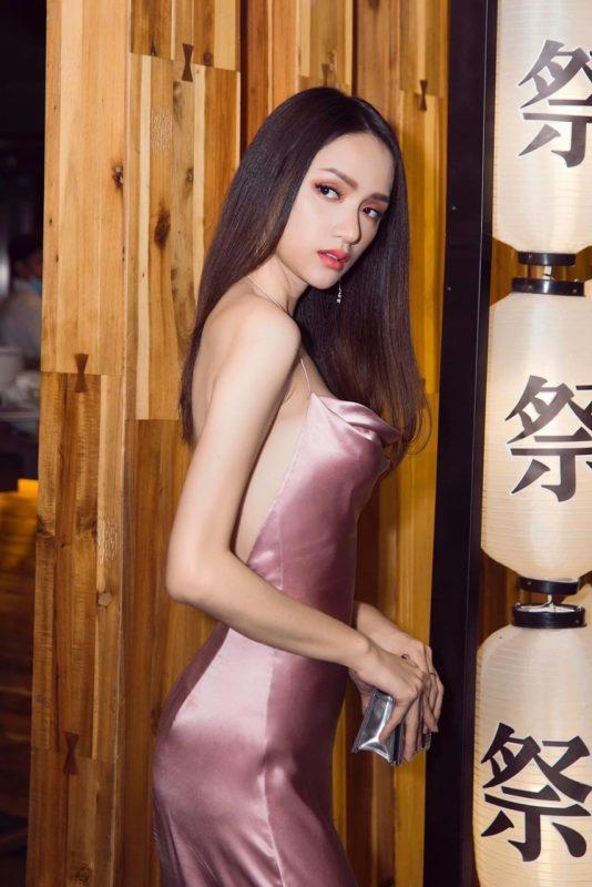 Đầm dạ hội hồng thiết kế cổ đổ hở lưng tôn dáng - D512